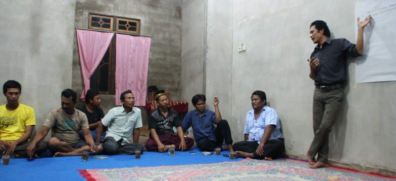 02-Pertemuan bg Meng dgn warga di desa Kakap kecamatan Sungai Kakap, KKR