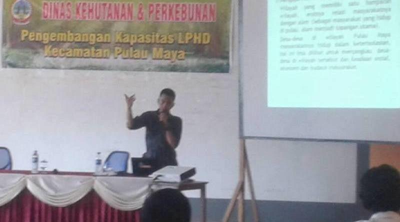 Kepala Distric Officer Gemawan KKU Agus Budiman ketika menjadi narasumber di peningkatan kapasitas LPHD Pulau Maya