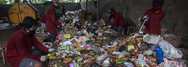 20170123antarafoto-pengelolaan-sampah-bumdes-bantul-200117-afa-1