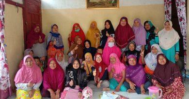 Gemawan Forms Women's Groups in Five Villages in Kayong Utara